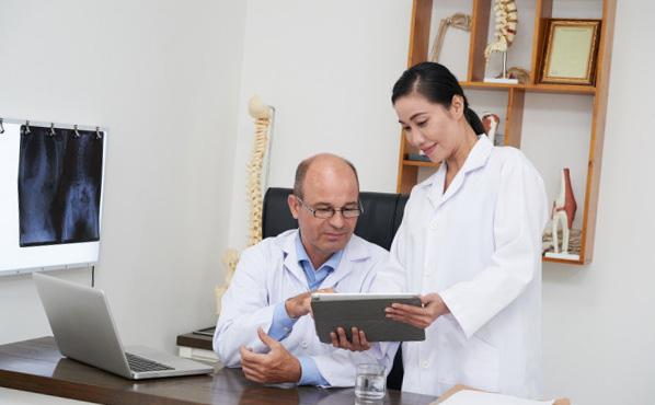 Osteopathe pour bébé : explication, pourquoi et quand le consulter
